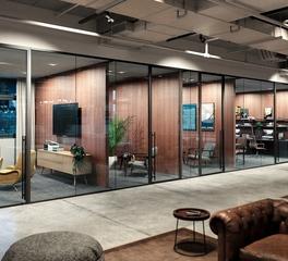 Modernus Lama Glass System Office Space Design
