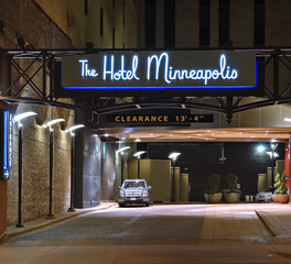 Pulse Products Hospitality Design Hotel Minneapolis Exterior Guest Drop-off Lighting