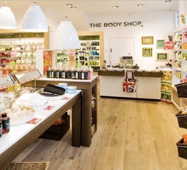 Simply oak usa the body shop retail flooring spree collection