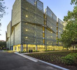 Structureflex Rice University Cambridge Office Building_Garage_Facade_Landscape