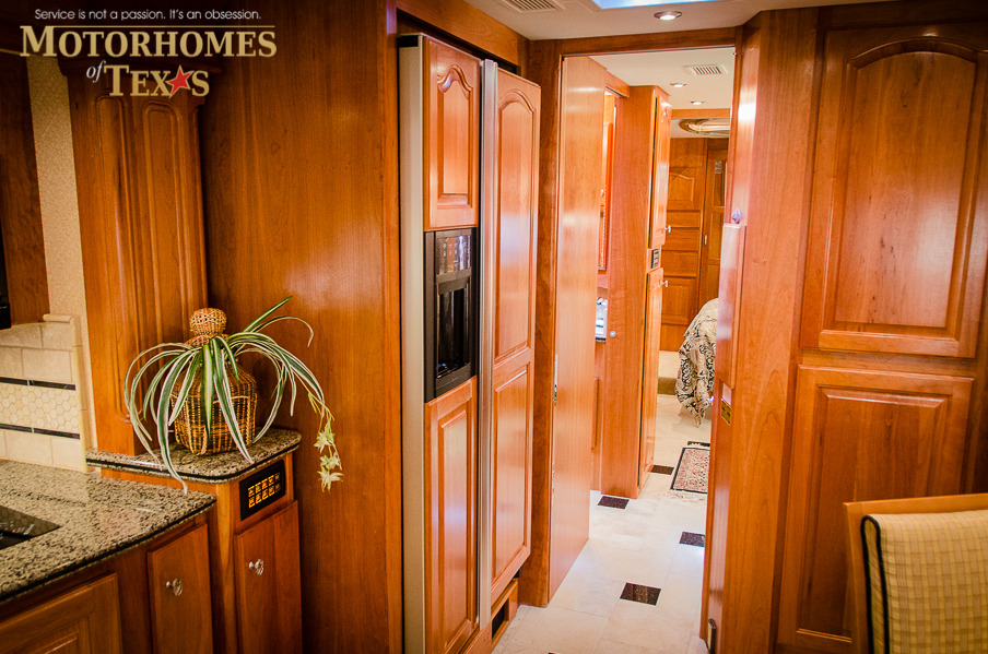 click cabinets 2010 country coach magna 45 priced at 319500 13648