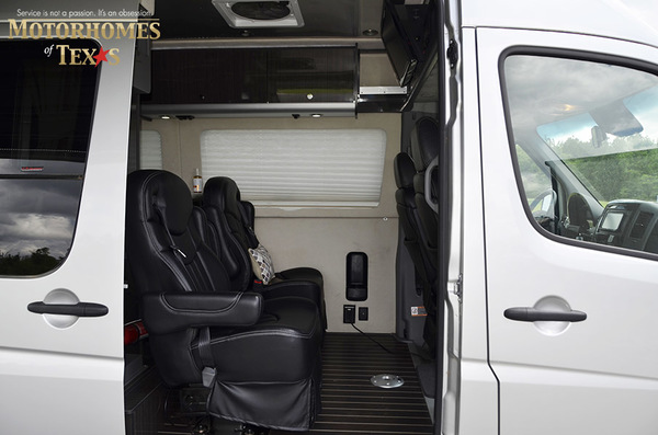 C2007 2014  airstream mercedes interstate lounge ext 092