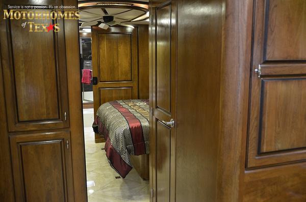 C1989 2012 monaco dynasty 45 palace iv425