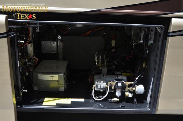 C2030 2008 foretravel nimbus 7306