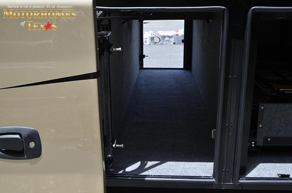 C2030 2008 foretravel nimbus 7308