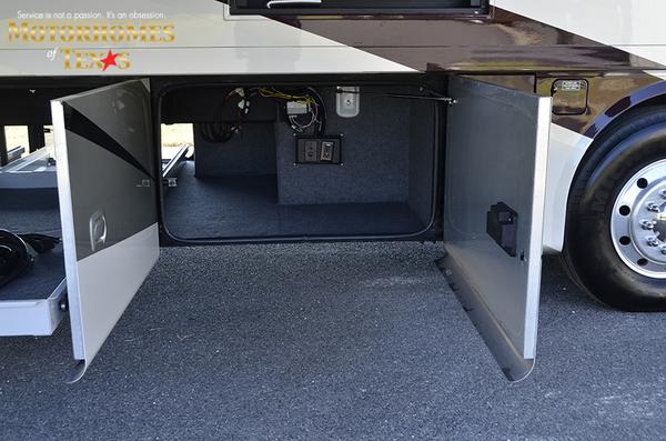 C2062 2011 tiffin allegro bus 8349