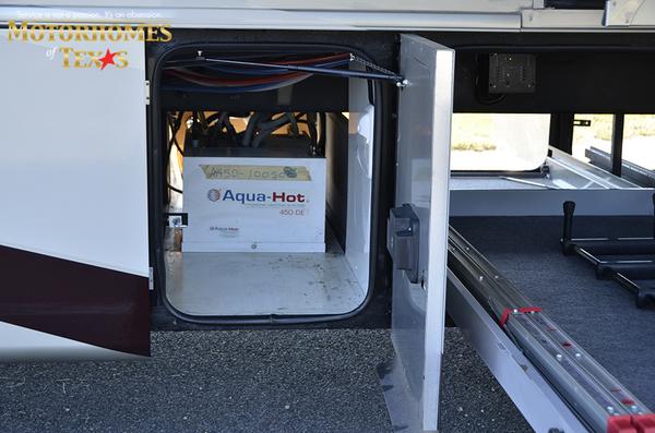 C2062 2011 tiffin allegro bus 8352