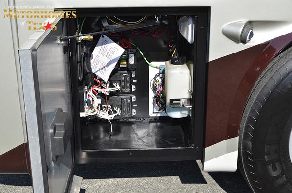 C2062 2011 tiffin allegro bus 8358