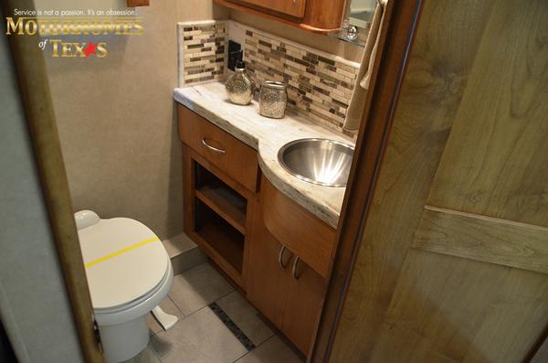 C2068 2011 monaco vesta 8817