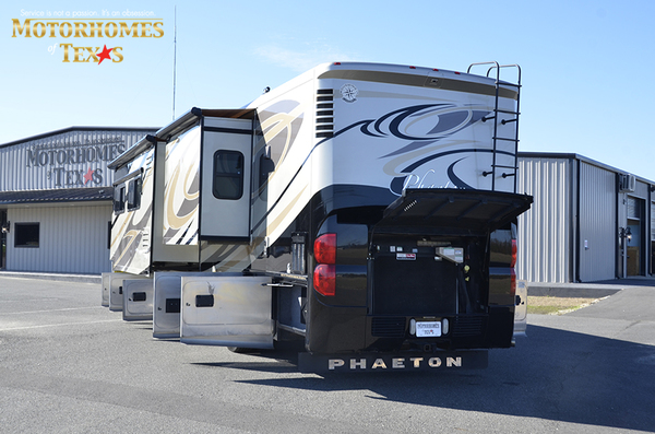 C2080 2011 tiffin phaeton 9723