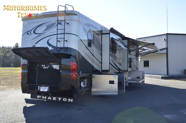 C2080 2011 tiffin phaeton 9724