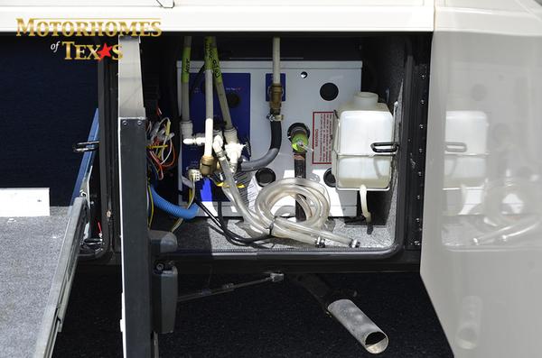C2100 2011 newmar ventana 0462