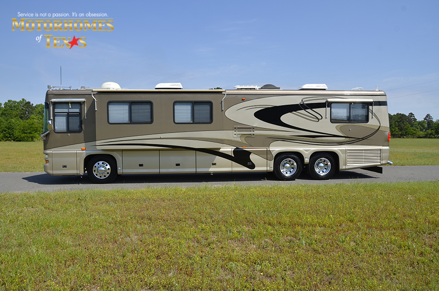 2003 Foretravel U320 40' Priced at $ 129500