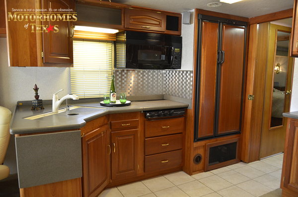 C2017a 2003 national rv tradewinds 2196
