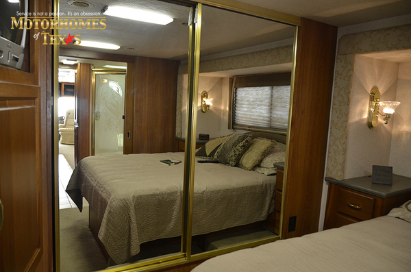 C2017a 2003 national rv tradewinds 2202