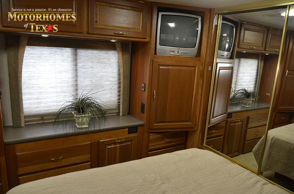 C2017a 2003 national rv tradewinds 2203
