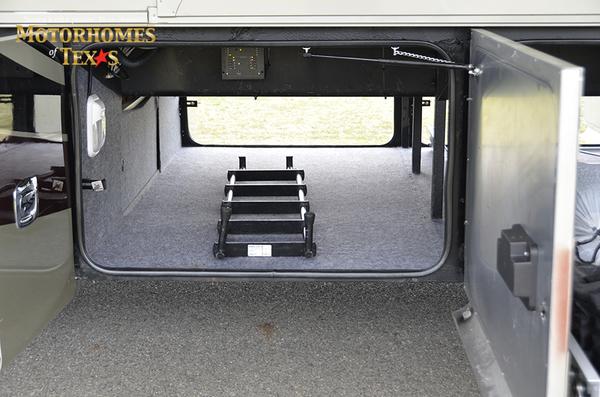 C2198 2012 tiffin allegro bus 4946