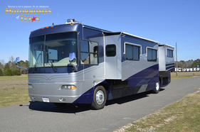 2003 National RV Islander 9402
