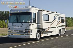 2000 Country Coach Magna 40'