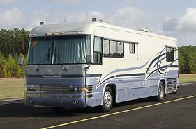 1999 Country Coach Magna 36'