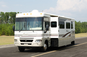 2004 Winnebago Adventurer 35