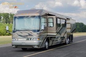 2006 Country Coach Magna 45'
