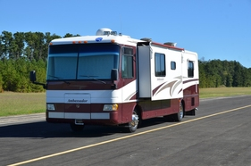2000 Holiday Rambler Ambassador 36'