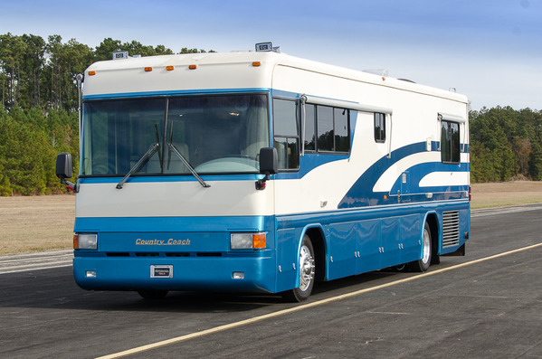 1996 Country Coach Intrigue 36'