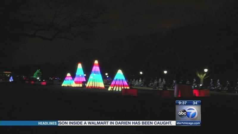 Brookfield Zoo Hosts 34th Annual Holiday Magic