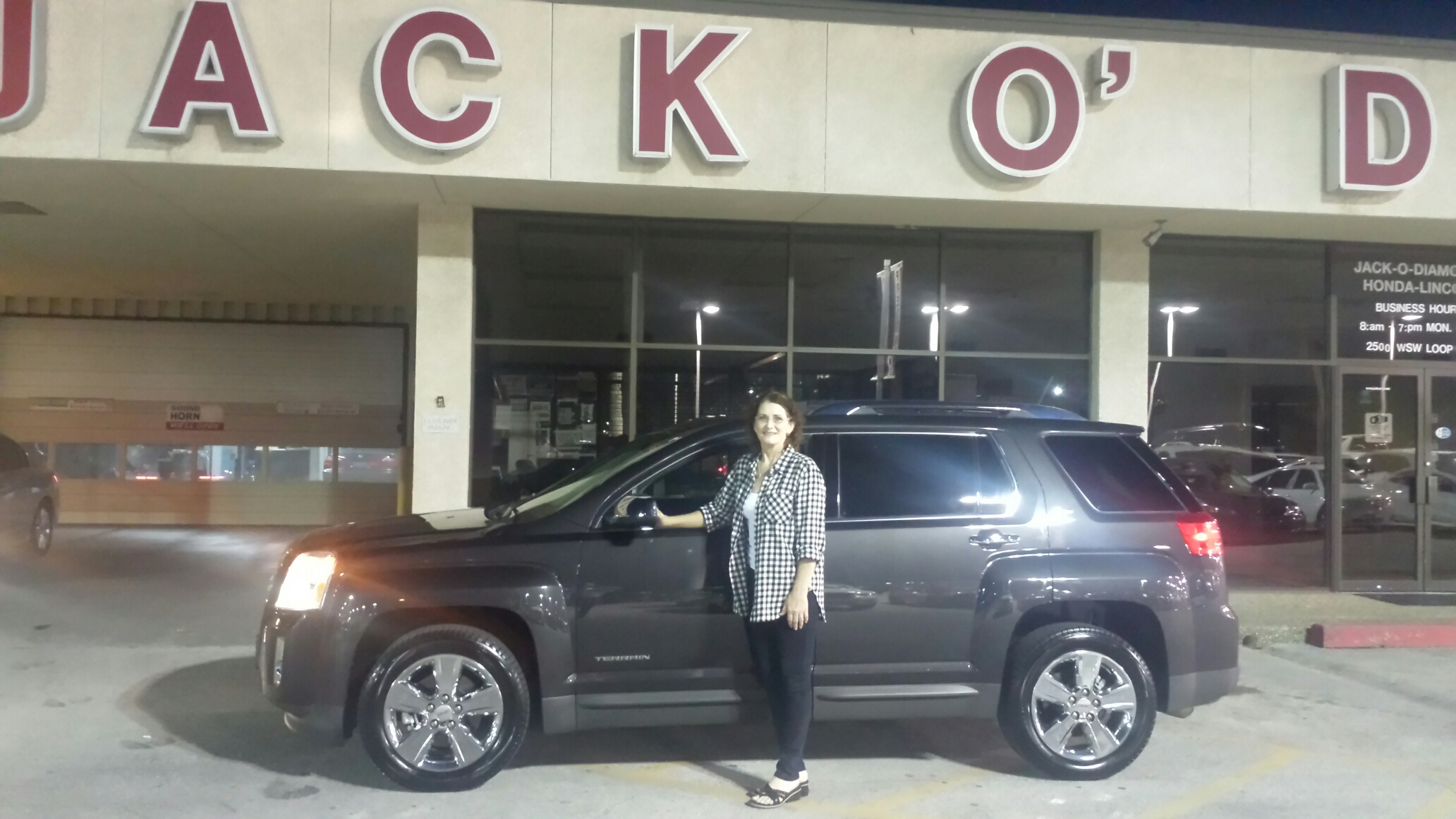 Congratulations to Mrs. Kim Dean from Henderson on her 2014 GMC Terrain!