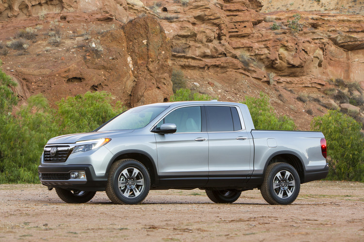All New 2017 Honda Ridgeline Pickup Truck Begins Mass Production in Alabama