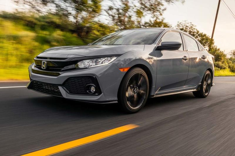 Honda Returns to the Drawing Board with 2017 Civic Hatchback Sport