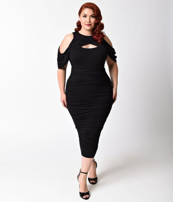 Plus Size Black Keyhole Cutout Ruched Wiggle Dress