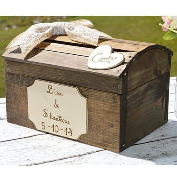 Shabby chic card box with wooden heart. Learn more or buy in the My Online Wedding Help products section. #RusticWedding #ShabbyChic
