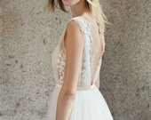 Wedding Dress Off White Tulle Bridal Dress Lace Boho Wedding Dresses Beaded V Neck Long Train Bridal Gown (LW192)