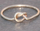 Thin Sollid 14k Gold Knot Ring in Size 5, Gold Forget Me Knot Ring, Promise Ring, Dainty Gold Jewelry