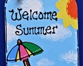 Welcome Summer MASON JAR Sign Hanging Door Plaque Porch Deck Pool Family Wall Home Handcrafted Hand Painted Wreath Embellishment Door Hanger