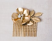 Golden flower and rhinestone hair comb 1001