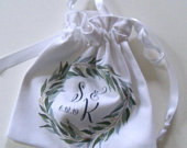 Greenery wreath wedding ring pouch with eucalyptus leaves, monogram, gift for bride and groom, handmade ring bag, lined cotton fabric
