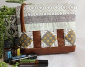 essential oil bag / essential oil zipper pouch / cosmetic bag / makeup bag / quilted bag