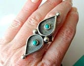 Vintage Zuni Sterling Silver and Turquoise Petit Point Snake Eye Shadow Box Ring Size 7.75