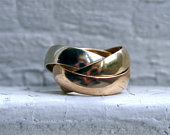 Pretty Vintage 18K Tri Colored Gold Rolling Ring Wedding Band.