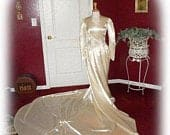 FREE USA SHIPPING!!! Art Deco! Vintage 1950s Rich Ivory Satin Beaded Waist Bridal / Wedding Gown / Dress 3436
