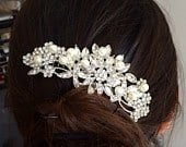 Pearl Bridal Comb, Floral Wedding Comb, Bridal Hair Comb, Wedding Hair Accessory, Crystal Hair Comb, Pearl Comb, Bridal Headpiece Lovely