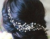 Pearl Bridal hair comb Pearl hair comb Wedding Hair Comb Crystal Hair Comb Bridal halo Bridal crown Pearl and crystal hair comb Prom hair