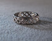 Vintage Sterling Silver Fancy Etched Eternity Wedding Band Ring 7 and a half Jewelry RL