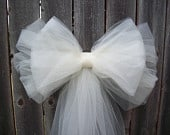 Tulle Pew Bow, OVER 30 COLORS, Church Pew Decor, Tulle Pew Bow, Brooch, Quinceanera Decorations, Formal Wedding, Aisle Decor, Communion