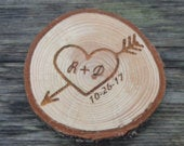Wood Slice Favors, Wood Slice Heart with Arrow, Rustic Wedding Favors, Personalized Heart Wedding, Engraved Favors, Country Wedding