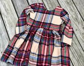 Christmas girls (tan) plaid dress / girls Christmas outfits / toddler Christmas plaid dress / baby girl Christmas dresses / plaid Christmas