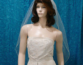 traditional fingertip length wedding veil 1 tier with a delicate pencil edge Sale